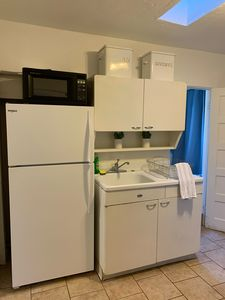 Charming Guest House for Rent 2 Blocks from University of Arizona