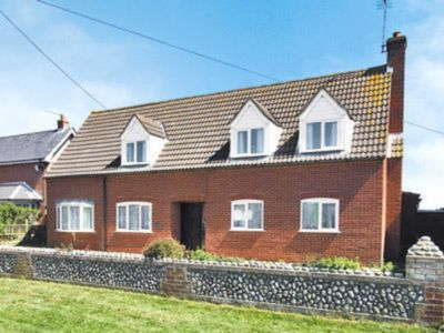 Photo for 5 bedroom accommodation in Mundesley