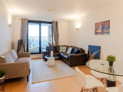 Photo for Central 2BR Home in Heart of Kensington, 4 guests