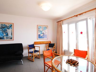 Photo for Cosy Apartment with Wi-Fi, Terrace and Sea View