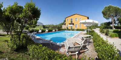 Photo for Holiday apartment in a Tuscan country estate