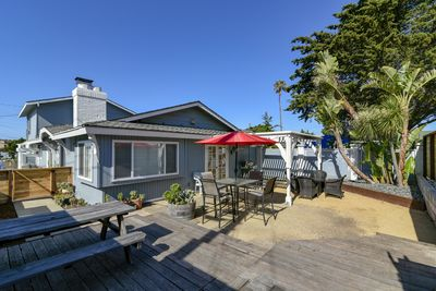 Relax and Unwind at this cayucos beach home, only 1 block from the beach