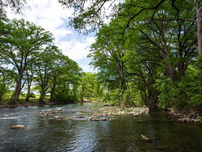 Photo for Newly updated 1/1 condo on the Guadalupe River!