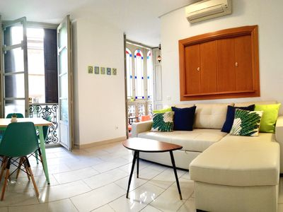 Photo for 1 bedroom apartment + sofa bed - next to the Central Market