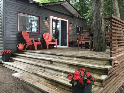 Lakefront deck and dining