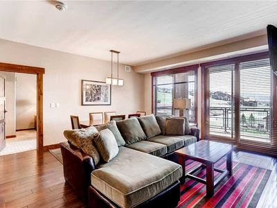 Photo for 2 Bedroom Condo w/Private Balcony, Onsite Hot Tubs, Game Room & More! Lovely Summer Getaway