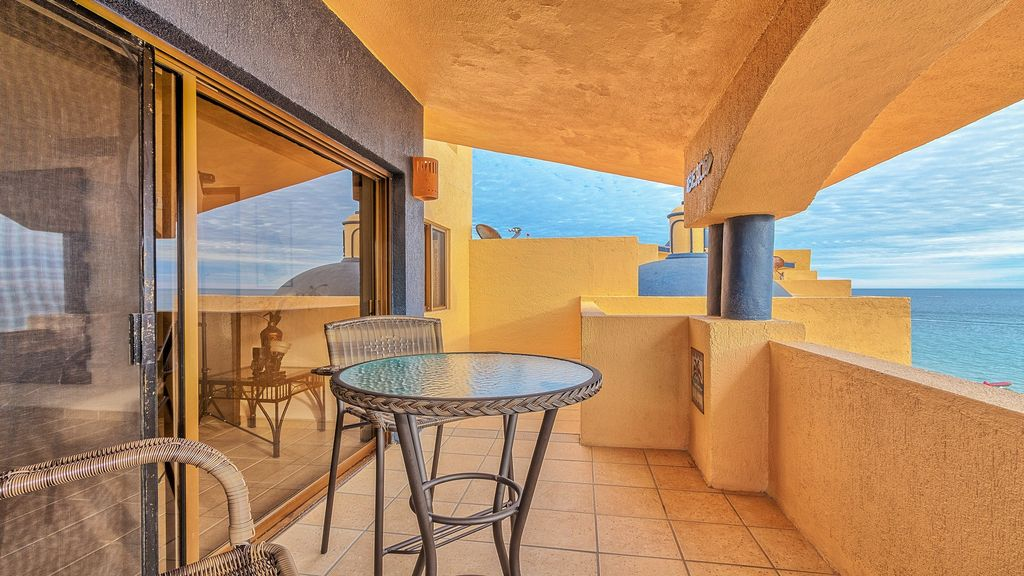 Princesa 2 Bedroom 2 Story Ocean Front Penthouse
