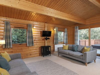 Photo for 3BR Cabin Vacation Rental in Winchester, England