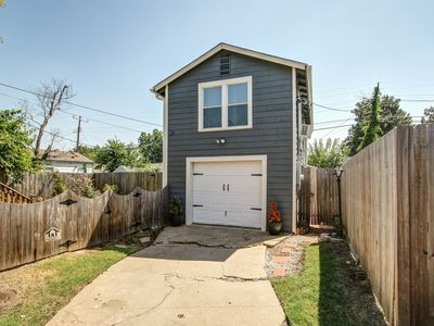 Photo for TU/Midtown Guest House- Gorgeous 1.5 Bedrooms