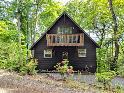 Photo for Long Range Views, Screened porch, 3bed 3 full bath, hike, fish, relax
