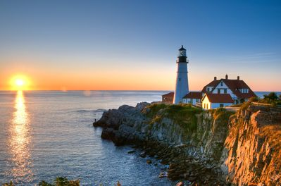 Just down the rd a few miles, Ft Williams / Portland Head Light Fall Time
