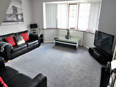Photo for 4BR Apartment Vacation Rental in London