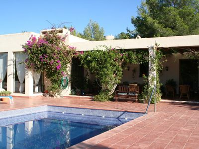 Photo for A modern American style villa with an attractive interior and complete privacy.