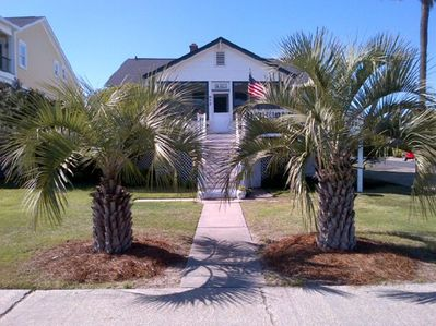 Front of house 817 Ocean Blvd (the beach access is directly in front of the hous