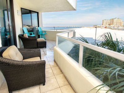 Photo for ☀East Pass 208-2BR-Pass Views☀Aug 27 to 29 $578 total! Upgrades! PRIVATE BEACH!