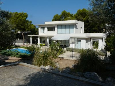 Photo for Modern villa with pool and sleeps 8