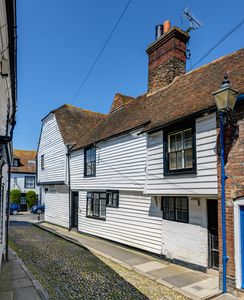 Photo for Beautiful Tudor Grade 2* Listed Cottage In Rye's Citadel