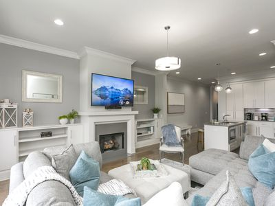 SPECIAL OFFER! #5 of 6 homes TOGETHER! Luxury in PRIME LOCATION w/ Rooftop Deck!