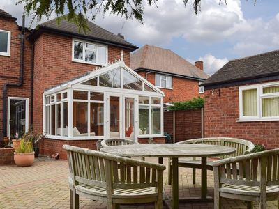 Photo for 5 bedroom accommodation in Stratford-upon-Avon