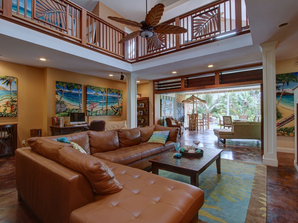 Feel the tradewinds while viewing the pool from the couch,