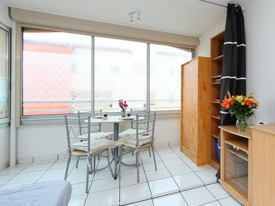 Photo for QUIET 1 BEDROOM APARTMENT WITH PRIVATE PARKING