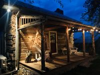 Wonderful, quaint cabin in a gorgeous setting. It was stocked with everything we needed.