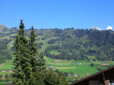 Photo for Apartment Iris in Zweisimmen - 4 persons, 1 bedrooms