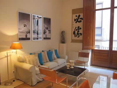 Photo for ***Fantastic Location*** Gothic Quarter Hideaway