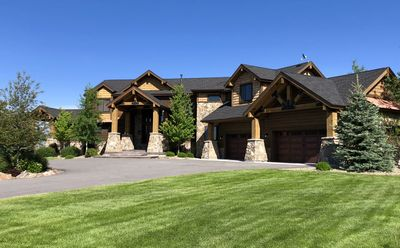 Luxury Lodge, Private Lake, 8,000 ft2, 9 bdrms, for the Ultimate Get-Together