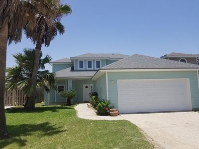Photo for A Wave From it All! Cute 4 bedrm home with great location on Beach Access Rd 1A