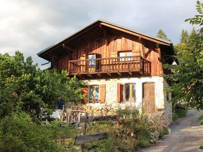 Photo for Mountain chalet 6-8 sleeps, the hamlet of Chantemerle