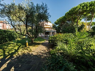 Photo for Villa Sospiro: A welcoming two-story villa, with Free WI-FI.