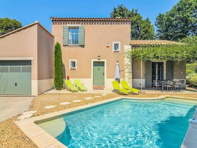 Photo for 3 bedroom Villa, sleeps 6 in Saint-Rémy-de-Provence with Pool, Air Con and WiFi