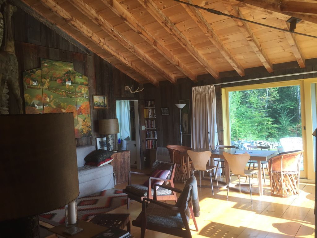 Cozy local vermont cabin with mountain views vt fall for Vermont mountain cabins