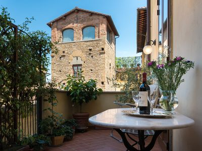 Photo for Super charming apartment with your own private terrace in the heart of Florence!