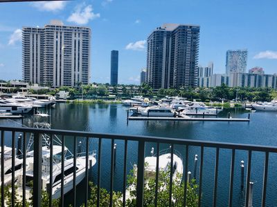 Photo for 1/1 Intercostal view @ The Yacht Club At Aventura