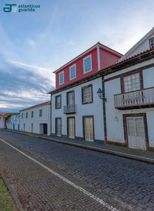 Photo for Apartment with 4 rooms and 3 toilets, in the center of the village of Lajes
