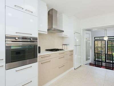 Photo for 2BR Townhome Vacation Rental in Edgecliff, NSW