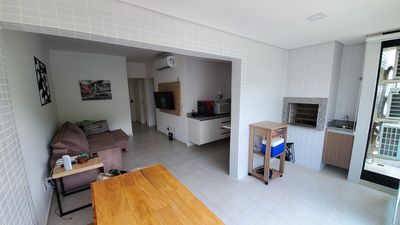 Photo for Comfort in Guaruja - Flat w / maid, air conditioning, wifi and Gourmet Balcony
