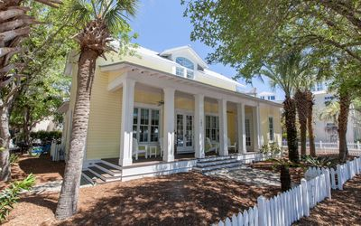 Photo for Home in the Center of Seaside,150 Steps to Beach, community pools, 4 bikes