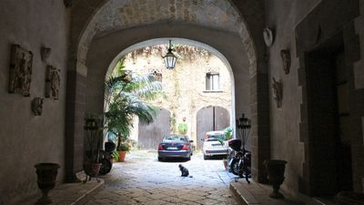 Photo for Beautiful mix of Classic and Contemporary style in the heart of Palermo