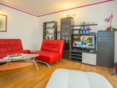 Photo for 3BR Apartment Vacation Rental in Pore?