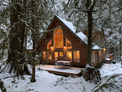 Photo for Rustic Mountain Retreat ~ Pet Friendly, Private Hot tub, Wood Fireplace, WIFI