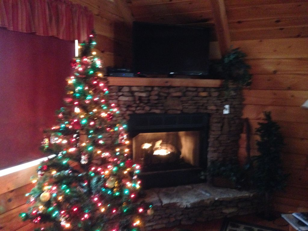Cabins in gatlinburg tn decorated for christmas - Property Image 23 Romantic Mtn Cabin Btwn G Burg P Forge