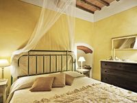 Epitome of Tuscan charm with all the comforts of home