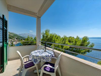 Photo for Two bedroom apartment with balcony and sea view