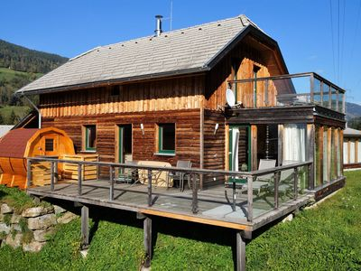 Photo for Beautiful and spacious chalet with sauna in beautiful area near Kreischberg
