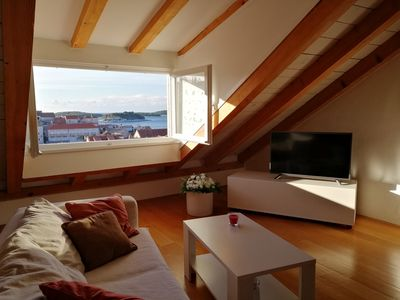 Photo for Elegant and comfortable 2 bedroom apartment in the center of the town of Hvar