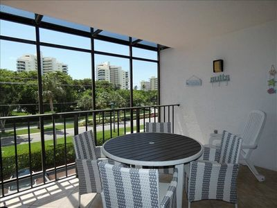 Photo for Grandview 305: 5 Minute walk to the Beach from this Beautiful 2 Bedroom, 2 Bath Updated Condo.  Movies and Restaurants 8 Min away.