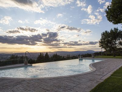 Photo for Villa Fé with swimming pool in Assisi